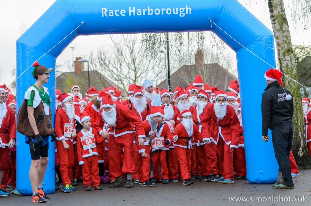 Santa Run 2016 - Photo from simonlphoto.uk